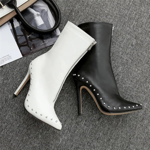 Nina - Pointed Stiletto Ankle Bootie - Izzabel