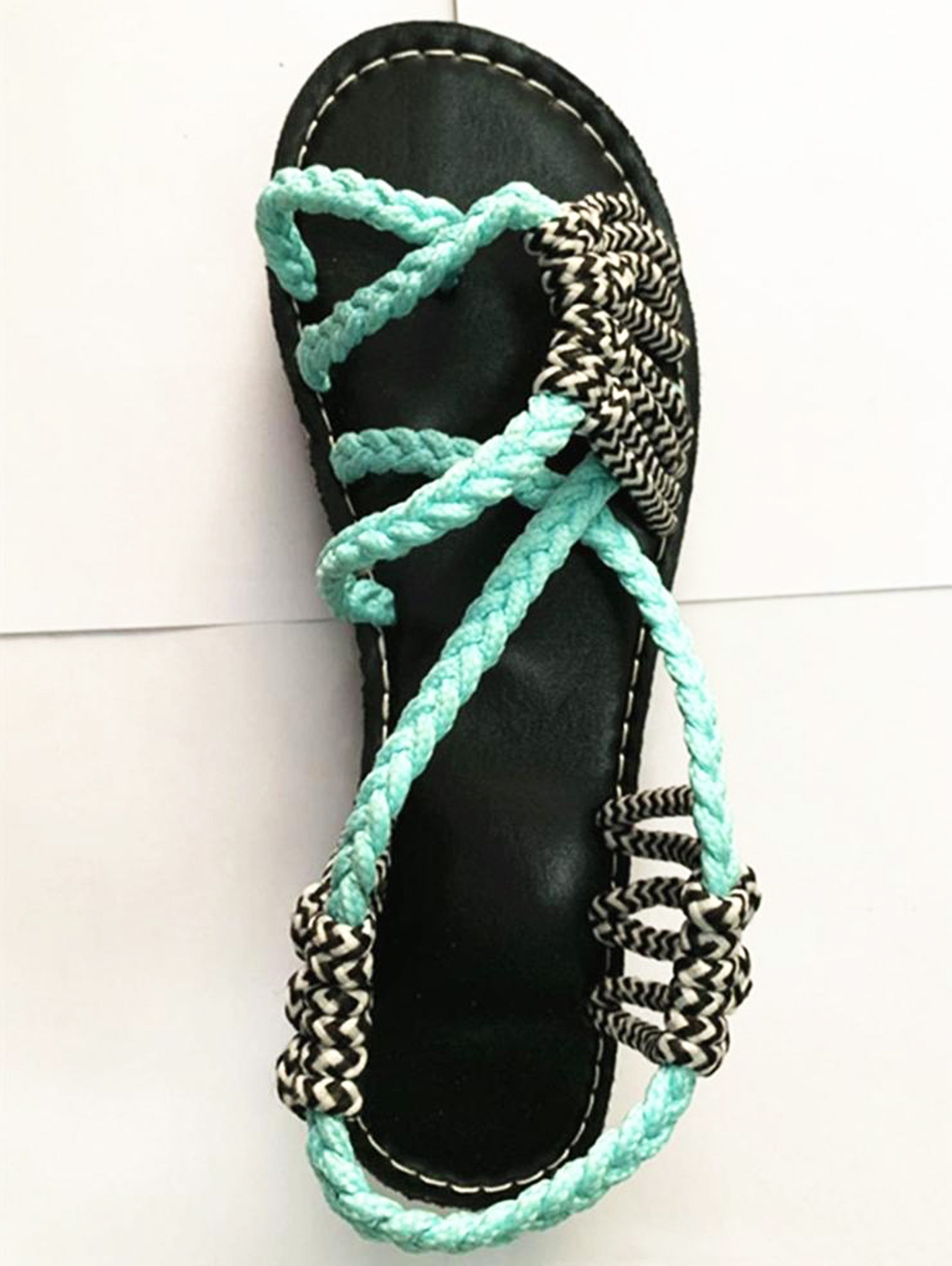 Vegan elastic band sandal