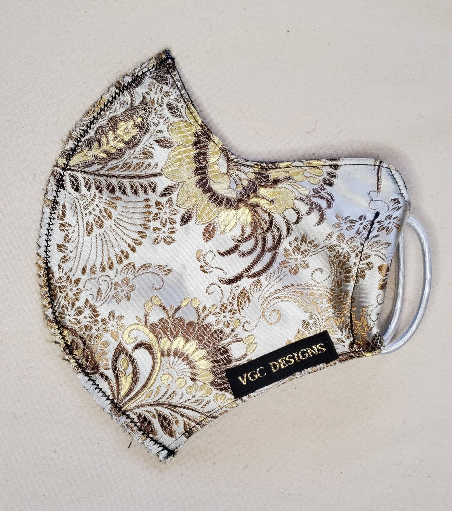 ADULT VGC FACE-MASK BROCADE SILVER GOLD