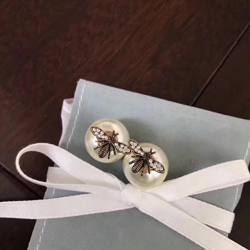 Simple Bee Pearl Stud Earrings
