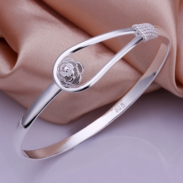 Buckle Flower Bangle