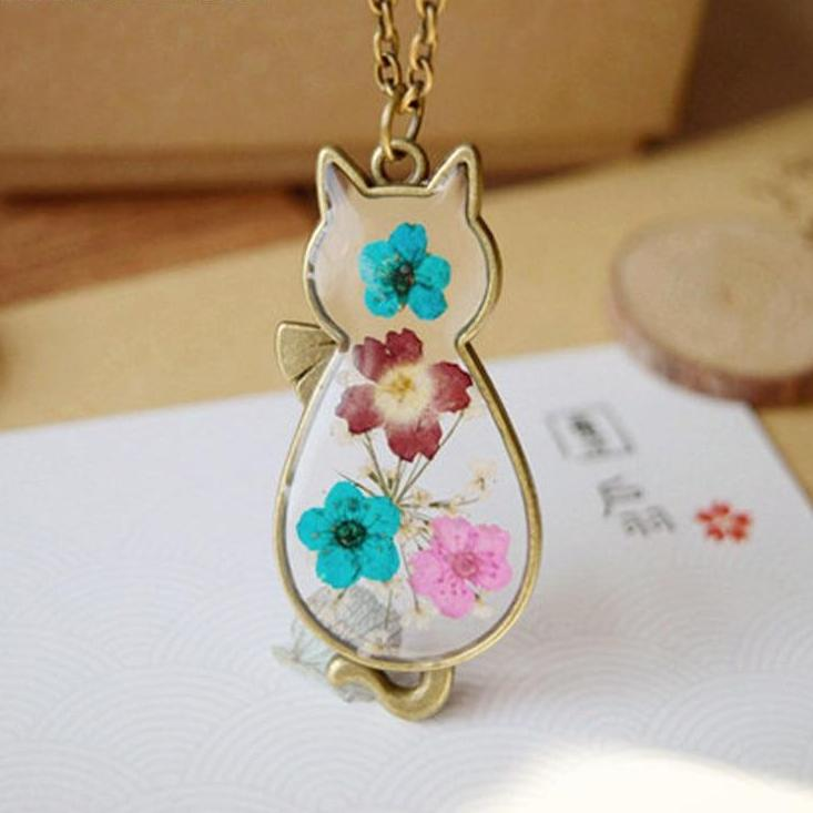 Dried Flower Cat Glass Pendant Necklace