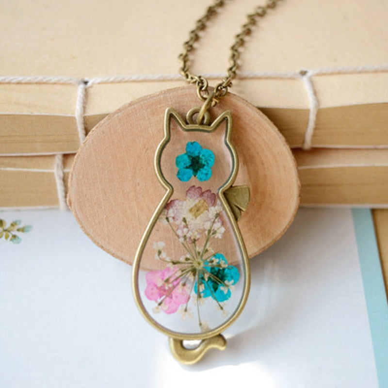 Dried Flower Cat Glass Pendant Necklace - Trinket Fascinations Jewelry