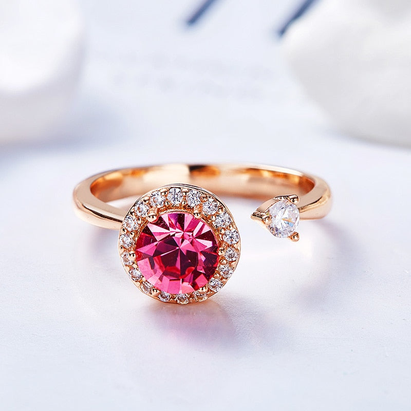 Rotatable Cocktail Rose Gold-Plated Swarovski Crystal Ring