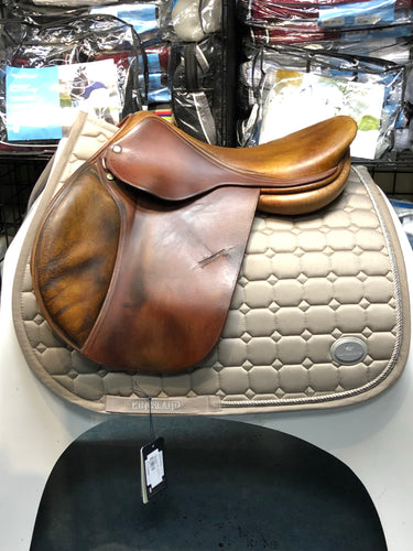 Childeric Jump Saddle 17.5