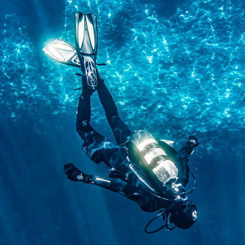 diving with a scuba dive knife