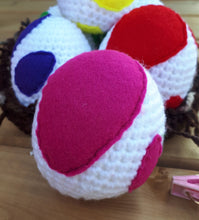 Load image into Gallery viewer, Yoshi Eggs (Super Mario Plush Toy)