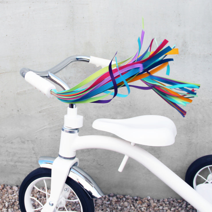 tricycle-streamers-blue
