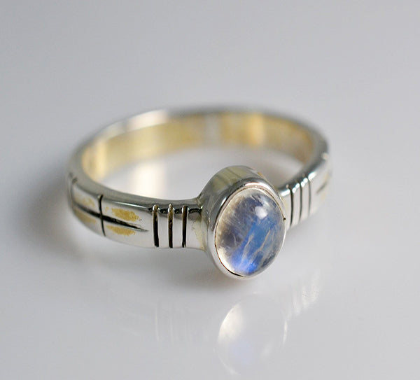 Rainbow Moonstone 925 Solid Sterling Silver Handmade Eternal Ring - NavyaCraft