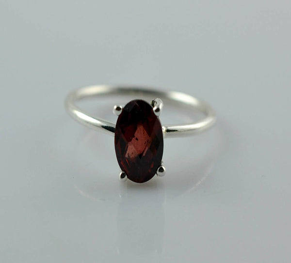 Garnet 925 Solid Sterling Silver Handmade Checker Oval Verge Ring - NavyaCraft