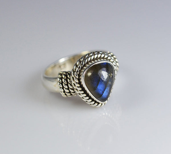 Labradorite 925 Solid Sterling Silver Trendy Ring - NavyaCraft