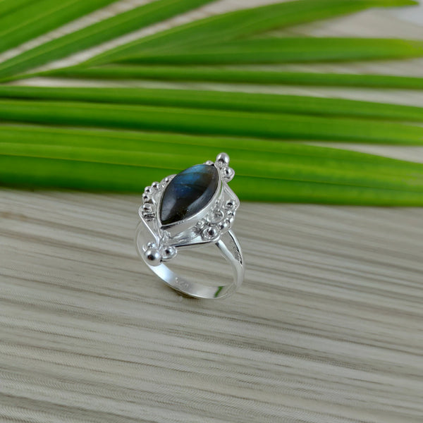Labradorite 925 Solid Sterling Silver Handmade Kind Ring - NavyaCraft