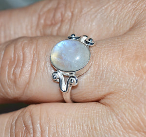 Rainbow Moonstone 925 Solid Sterling Silver Artsy Ring - NavyaCraft