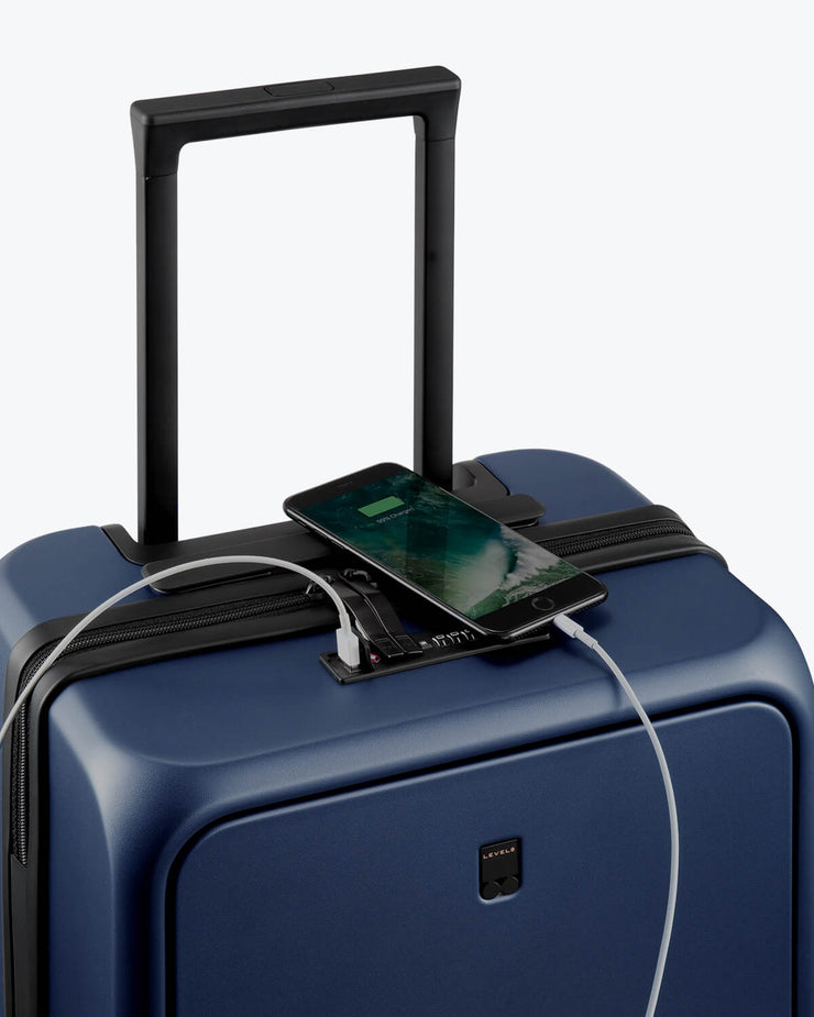 carry on luggage with charging function
