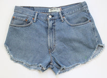 Load image into Gallery viewer, Levi's Denim Cut Offs L