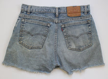 Load image into Gallery viewer, Vintage Levi's Denim Cut Off shorts 31""