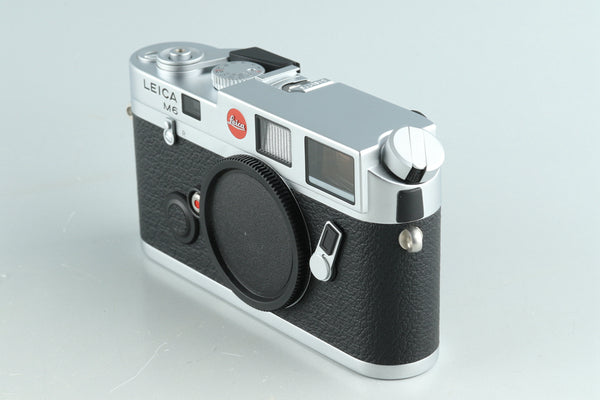 Leica M6 0.72 35mm Rangefinder Film Camera In Silver With Box #32110L1