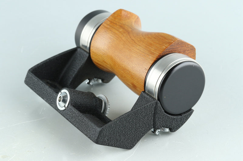 Pentax Wood Hand Grip for 6x7/67 #32405F2