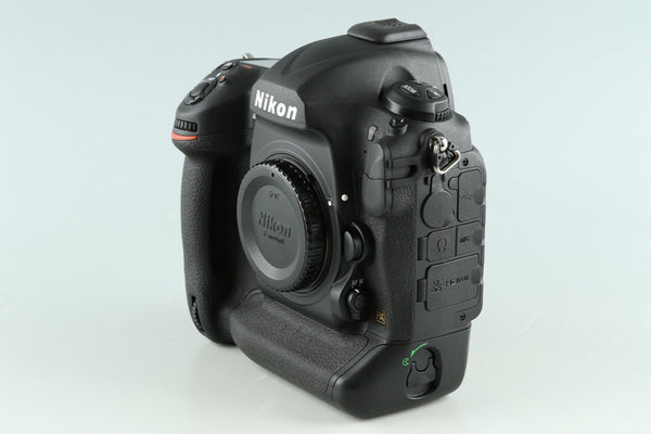 Nikon D5 XQD-Type Digital SLR Camera With Box #33429L