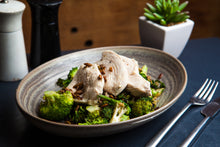 Load image into Gallery viewer, Poached Chicken & Greens 300g (GF) (DF) (P) - Nourish Meals by Wilde Kitchen