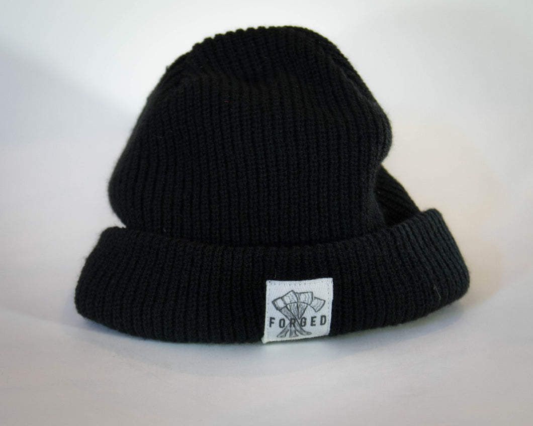 Black piped Toque