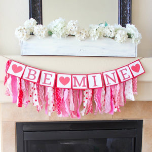 Valentine's Be Mine Garland