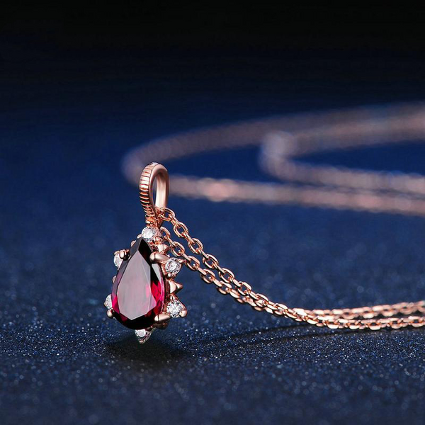 Red Garnet Necklace - ethereal-arscenic