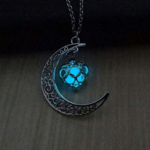 Glow In The Dark Crescent Moon Necklace - ethereal-arscenic