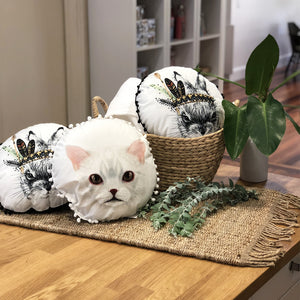 ROUND CUSHIONS - White Cat