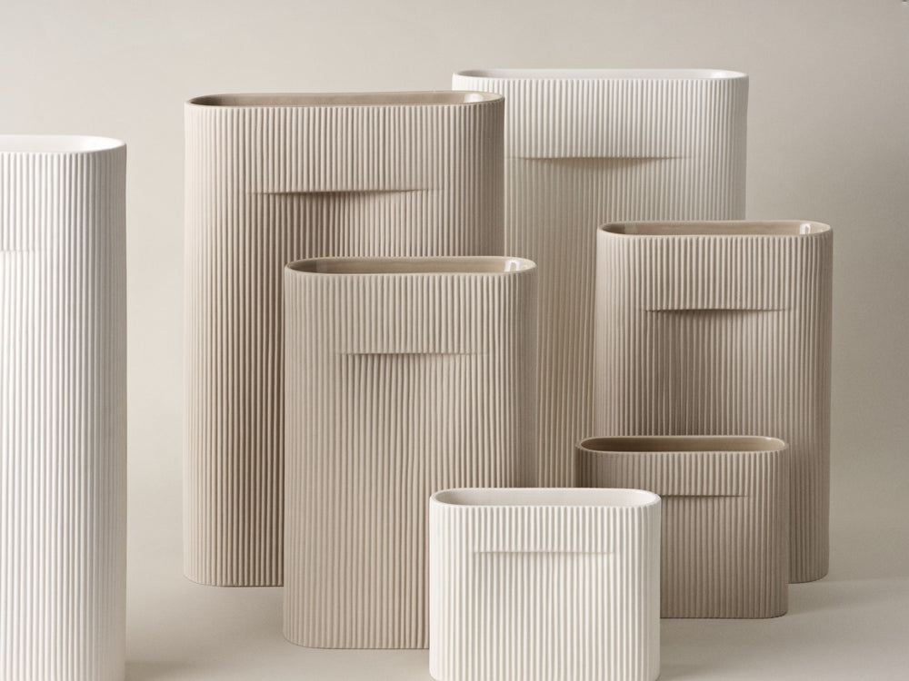 Muuto | Ridge Vase | H16.5 | Off White