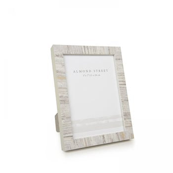 "Lovely Contemporary Photo Frame - 7""x 5"""