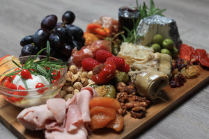 medium classic charcuterie board