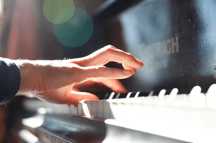 10 Techniques To Help You Play Piano Songs Like A Professional Pianist