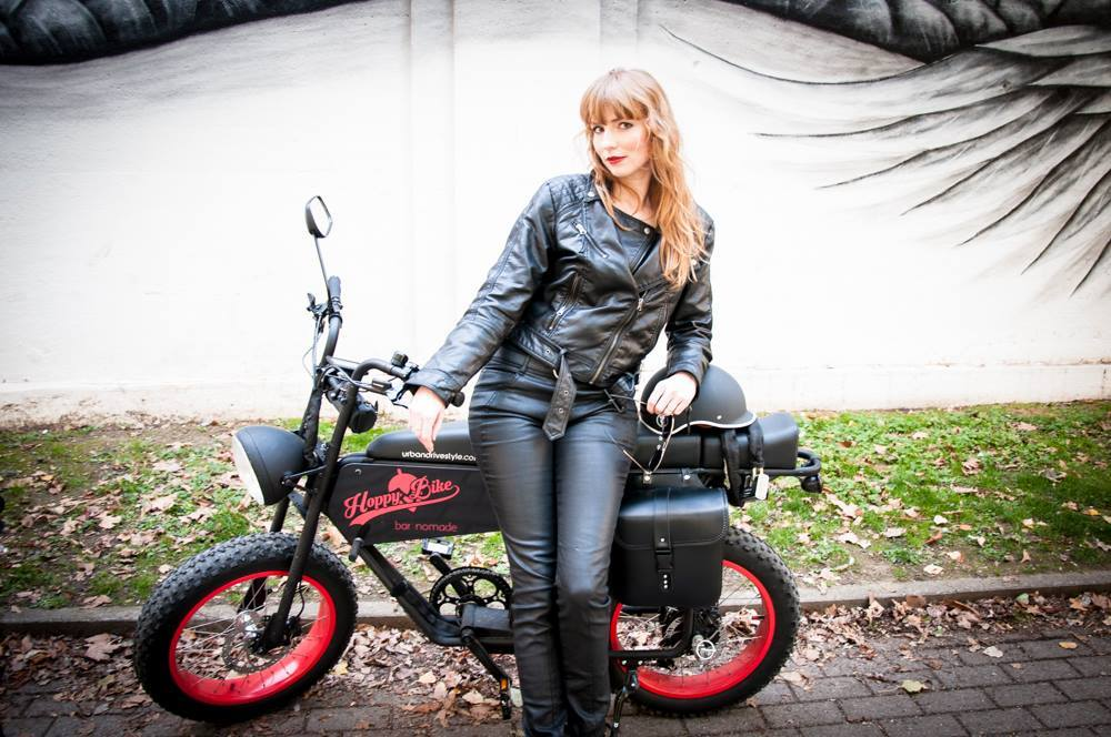 The TOP 10 reasons why women LOVE the UNI Moke ebike!