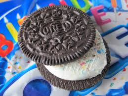 Munchie Case birthday oreo sandwich