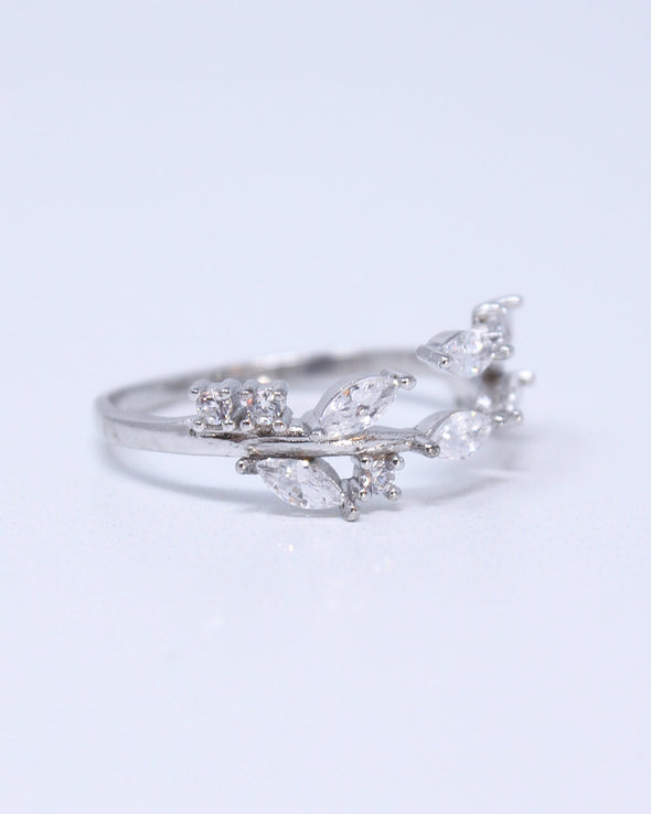 Open Sparkling Leaves Ring