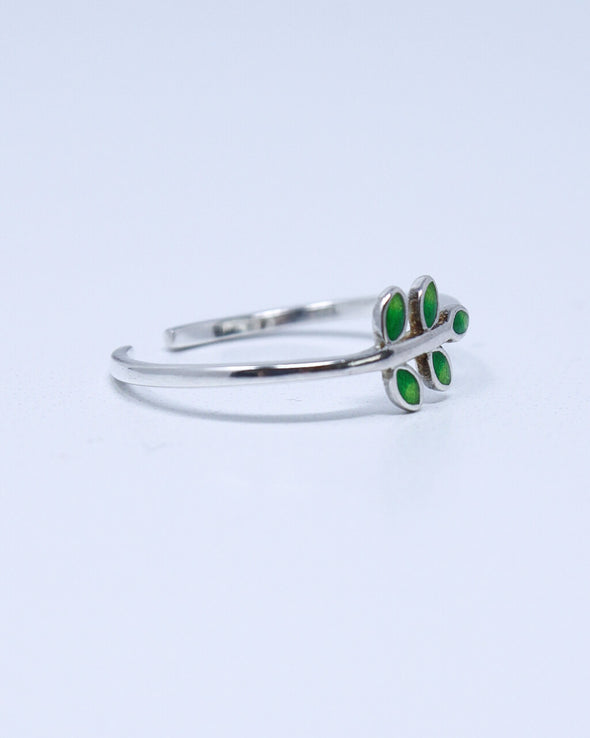 Cheerful Leaves Ring