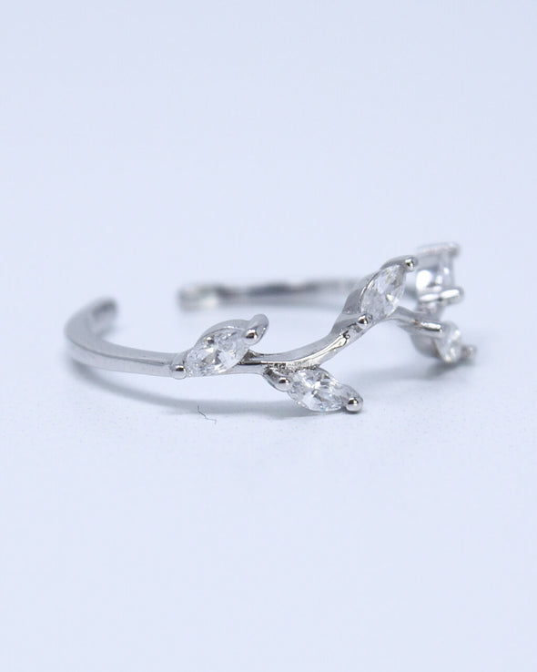 Dancing Leaves Ring