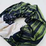 Calabar scrunchie earth, Scrunchie, mumutane