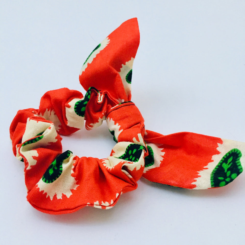 Minna scrunchie ears red seeds, Scrunchie, mumutane