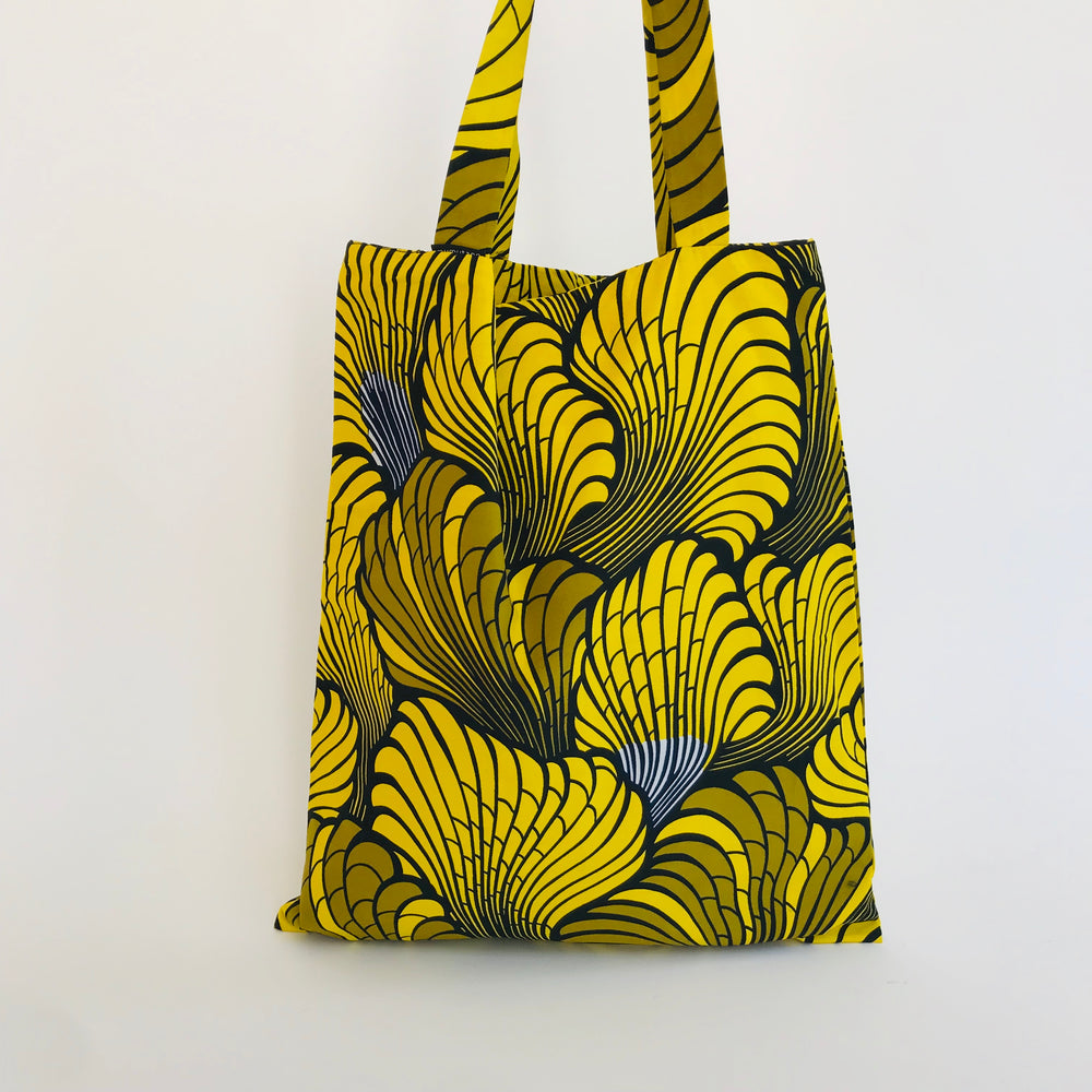 Ado tote bag feather