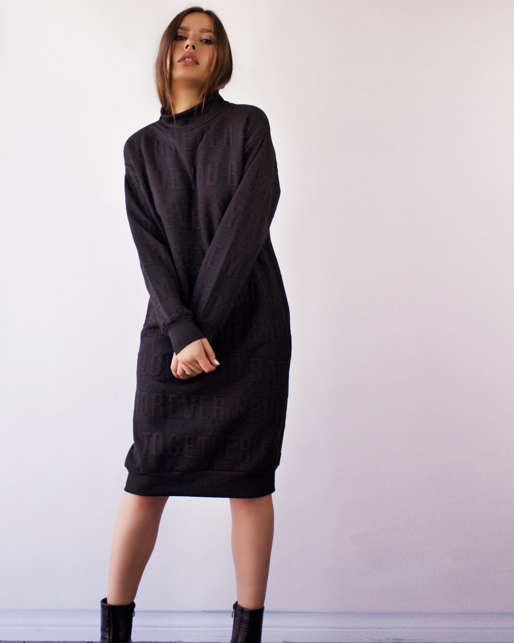 NOCTUA SWEATER DRESS- BLACK