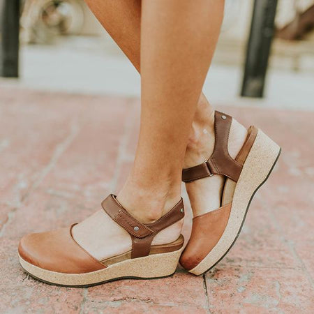Women's Elegant Flat-bottomed Buckle Solid Color Sandals