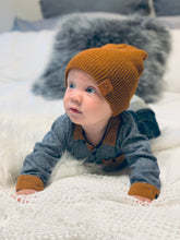 Load image into Gallery viewer, Winter Beanie - Rust Red