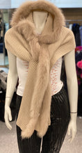 Load image into Gallery viewer, Knitted Fox Fur Shawl