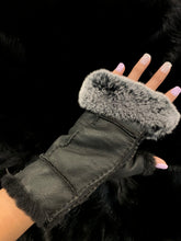Load image into Gallery viewer, Handsfree Shearling/Rabbit Texting Gloves