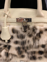 Load image into Gallery viewer, Fox Fur Leather Purse