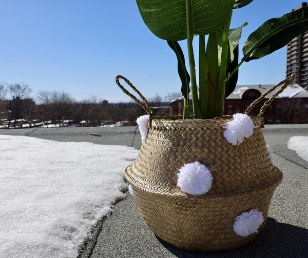 BOMBA - Seagrass Basket With White Pompoms