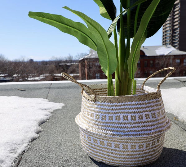 ISAK - Seagrass Basket With White Decoration