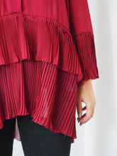 Load image into Gallery viewer, Pleated Button Blouse